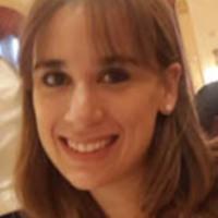 """María Florencia Conforti<br /> Co-autora de """"Aprender Haciendo"""" (Bonum). Profesora en Inlgés. Diplomada en Gestión Educativa. Cursando la Maestría en Administración de la Educación (UTDT) Formada en Aulas Maker (Harvard). Trabaja en el desarrollo de habilidades STEM / STEAM y el fomento del cumplimiento de los Objetivos de Desarrollo Sostenible (ONU)"""